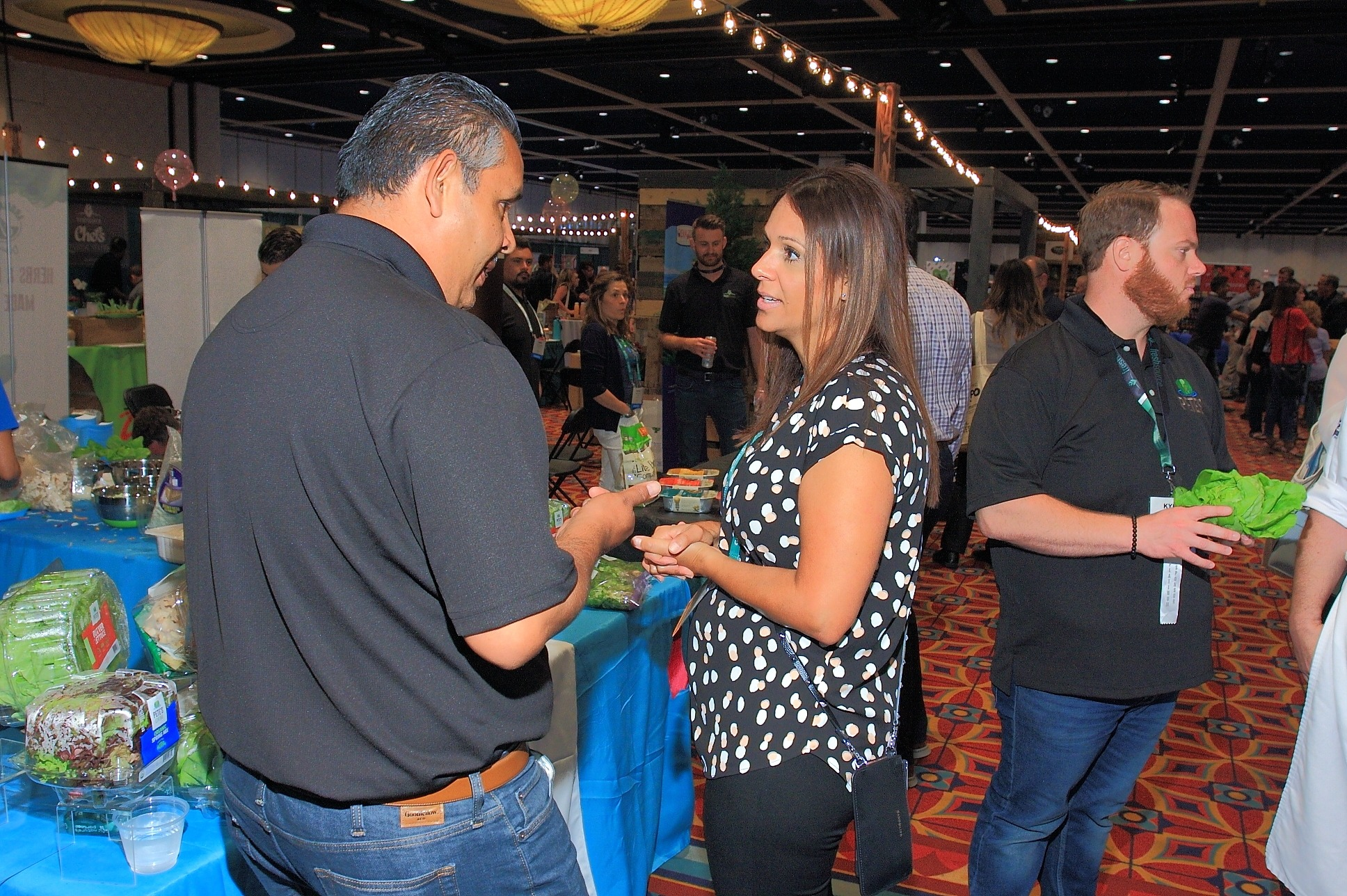 Baltazar Garcia from Pete's talks about new product with Sheryl Salazar from Albertson's